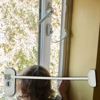 White Lockable Window Restrictor - White Cable